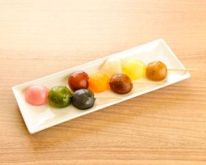 「Petit-warabi」3色串240円〜(税込)